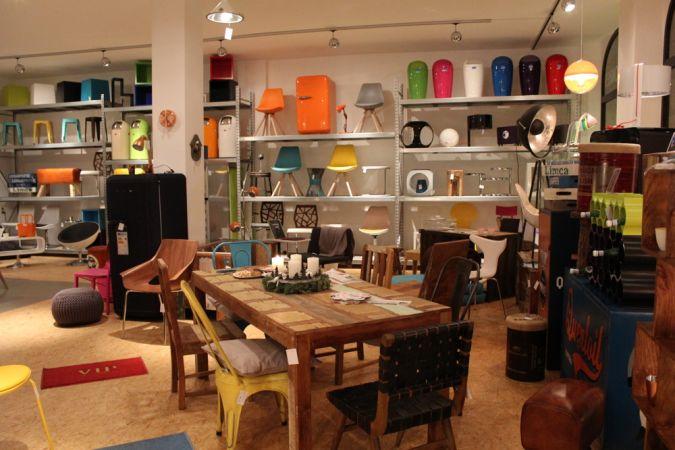 online m belhaus zum anfassen stil markt. Black Bedroom Furniture Sets. Home Design Ideas