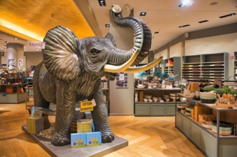 Lorey-Frankfurt-Elefant-im.jpg