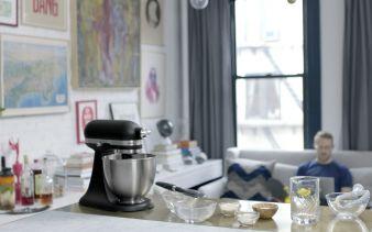 kitchenaidminimatteblackambiente.jpg